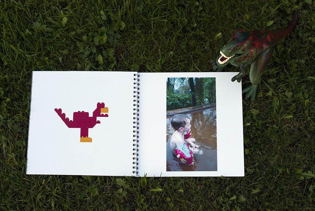Fotoksiążka Saal szablon z dinozaurem