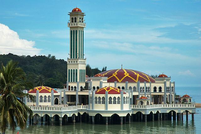 floating mosque darmowe atrakcje dla dzieci
