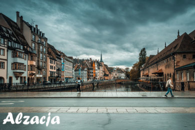 Magiczne Miasta Colmar i widok na most