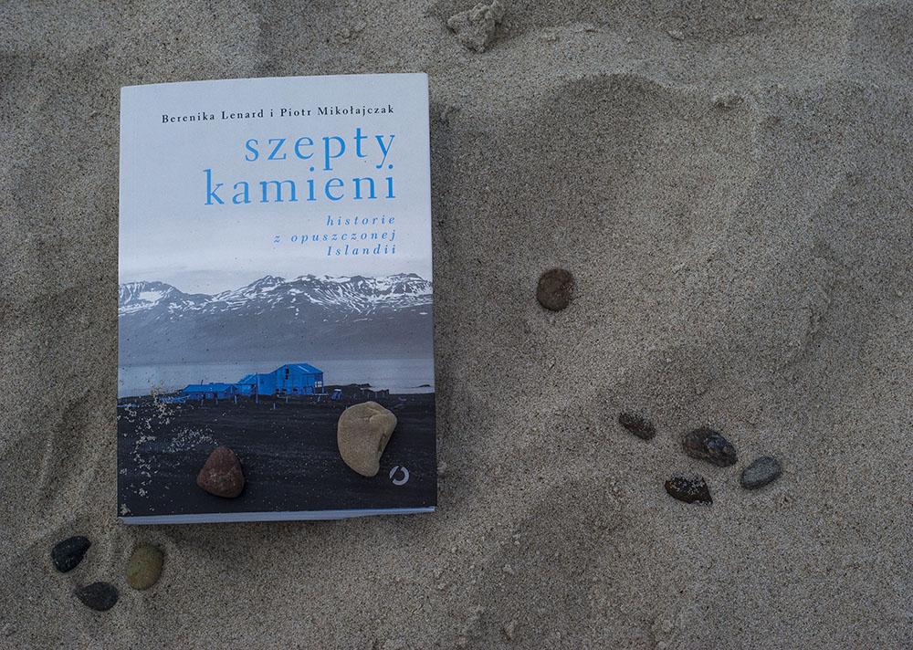 Recenzja książki szepty kamieni