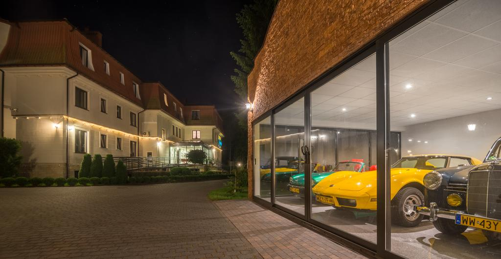 Weekend w hotelu Afrodyta kolekcja samochodów