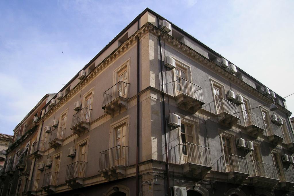Jesień na Sycylii Politi Residence budynek