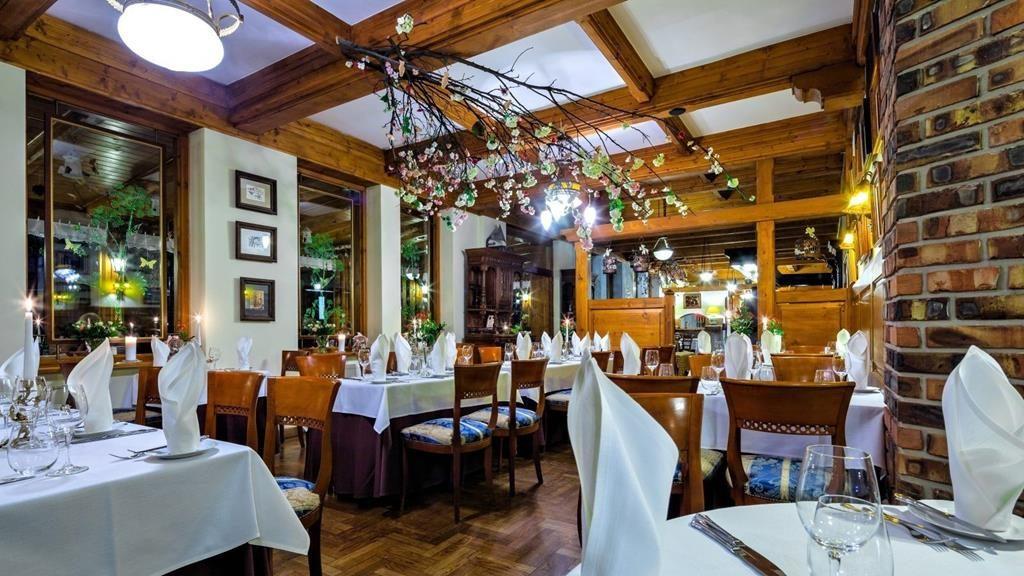 Hotel Litwor wnętrze restauracji