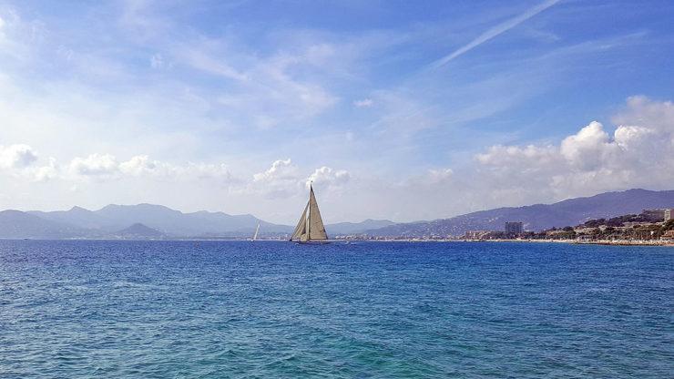Wakacje we Francji w sezonie Cannes jacht
